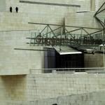 Nueva instalación de HIrst: dos francotiradores en el Guggenheim